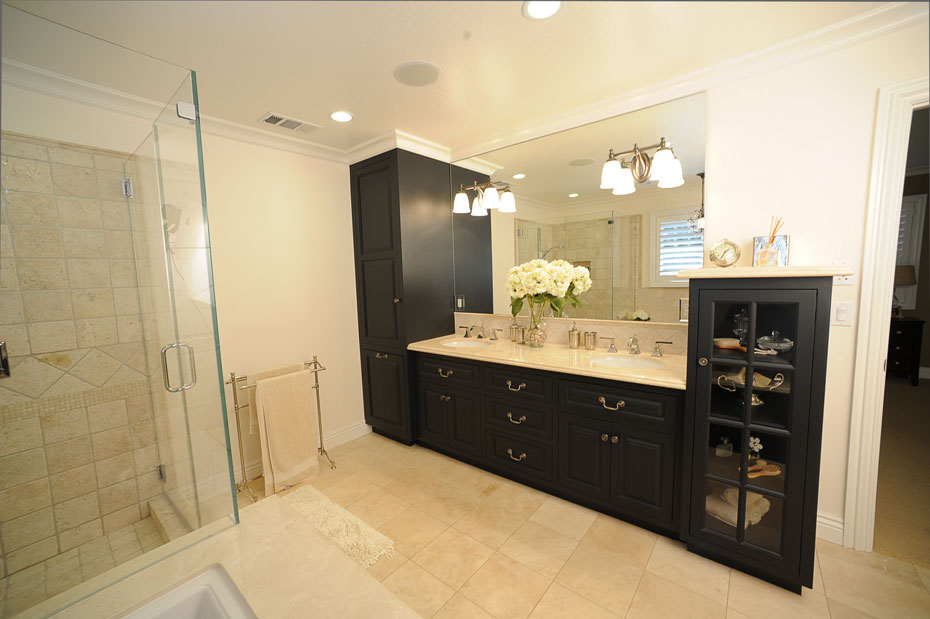 Elegant Custom Bathroom Cabinets